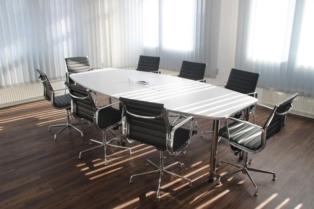 Afhold en konference og bliv kendt i din branche